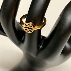TORY BURCH SINGLE TY LOGO GOLD PLATED RING SIZE 7